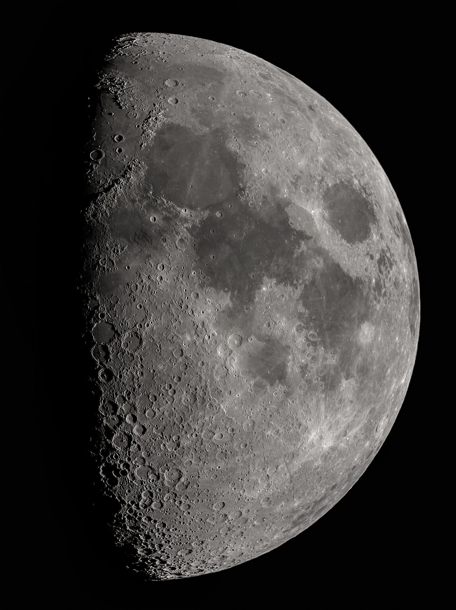 Mond am 8. August 2019