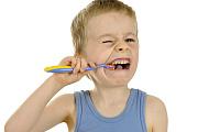 Molaren-Inzisiven-Hypomineralisation: Fünf Fakten über bröselnde Zähne