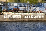 Graffiti Refugees welcome