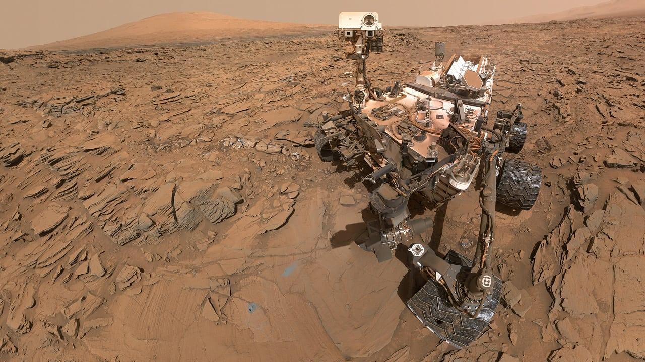 Marsrover Curiosity spürt organische Moleküle auf - Spektrum der ...