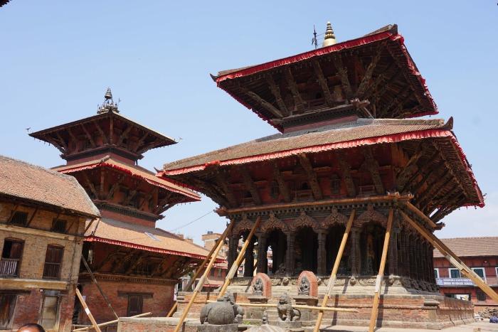 Beschädigter Tempel in Patan